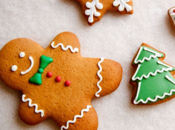 Christmas is near and so is the time for festive cheer! Let your little ones get creative in the kitchen and make some special memories with these yummy festive bakes.
